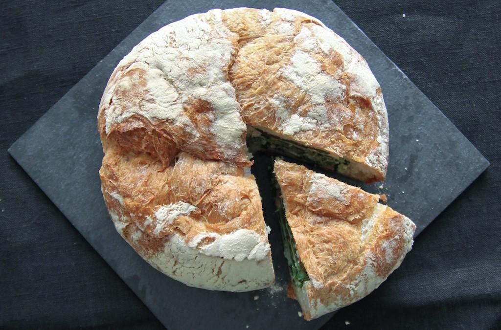 Täytetty maalaisleipä, voileipäkakun korvaaja?