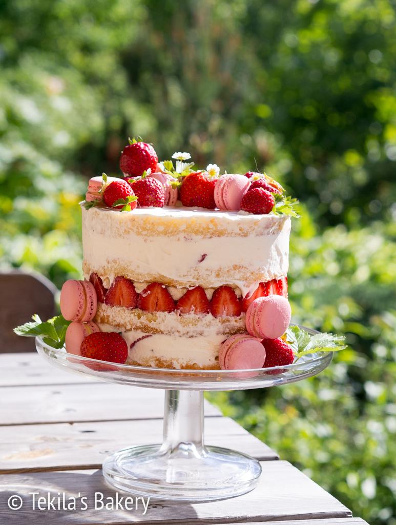 juhannuksen mansikka naked cake