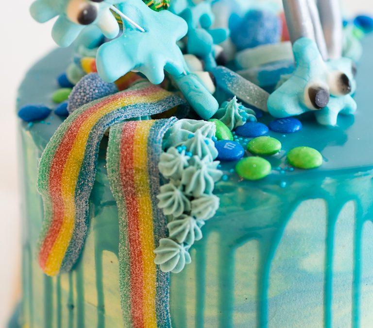 Merellinen drip cake, erehdyksien kautta onnistunut kakku!