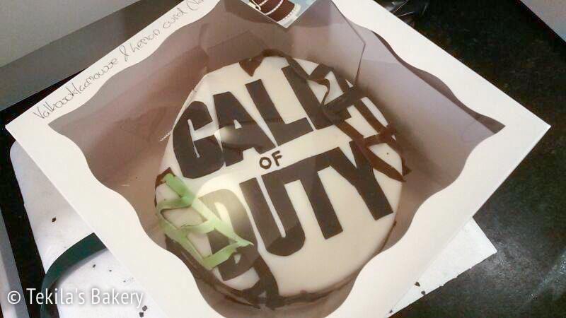 Perillä oleva Call of Duty täytekakku