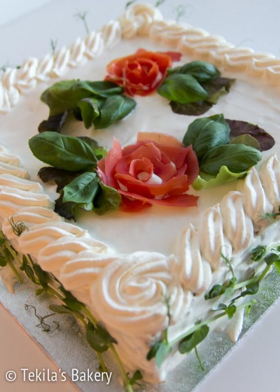 kinkkuvoileipäkakku ruusuin-3