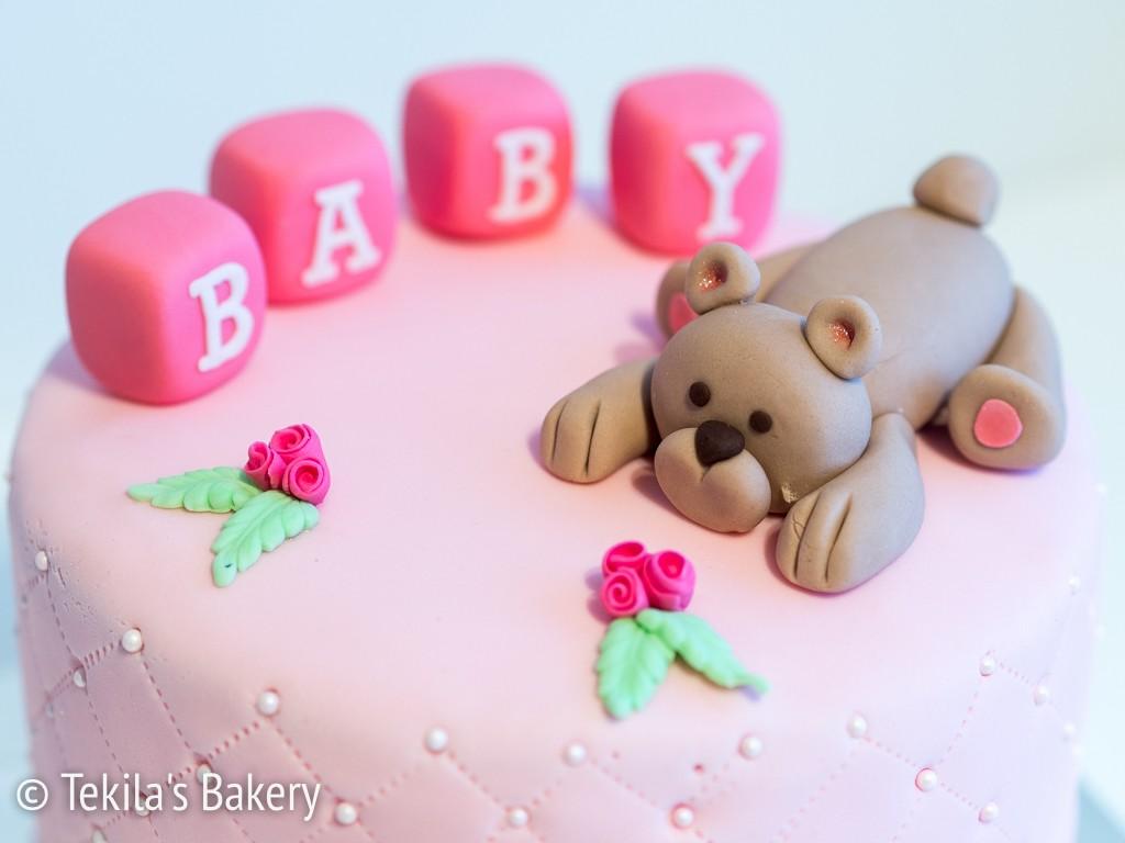 Baby shower kakku ja nalle