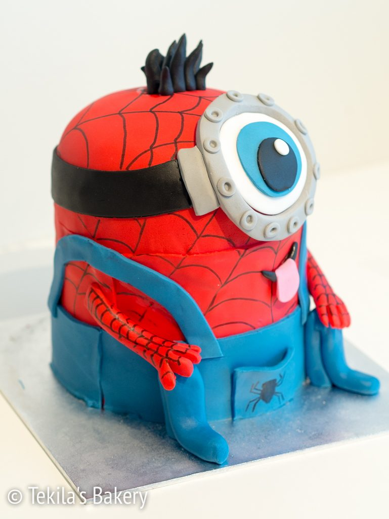 spiderman minion cake-4