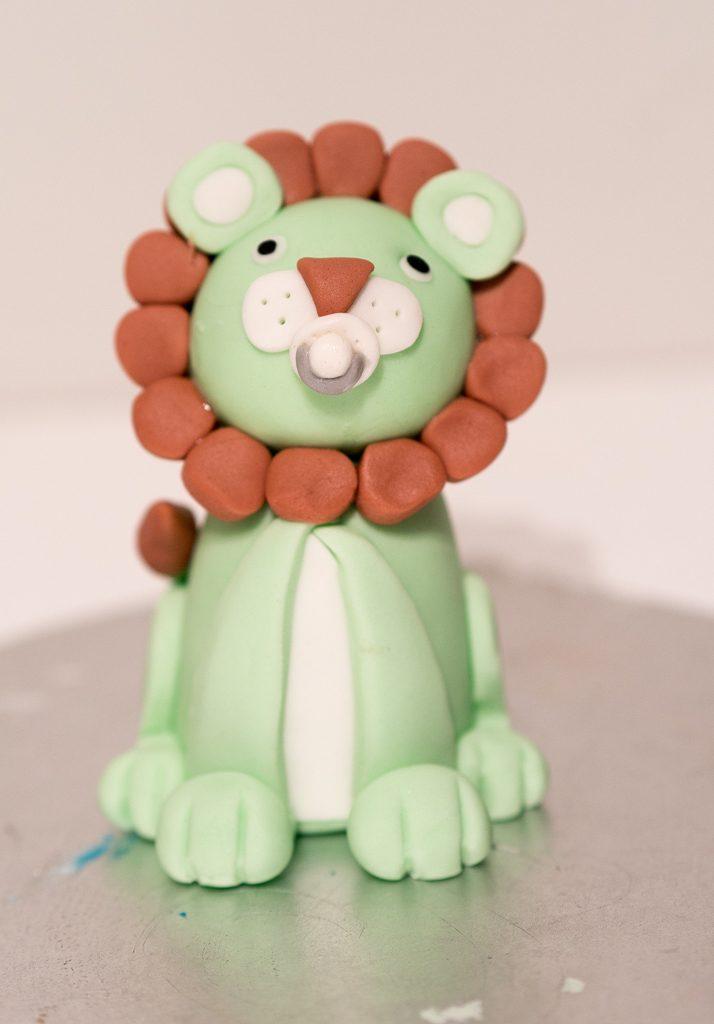 leijona sokerimassakoriste