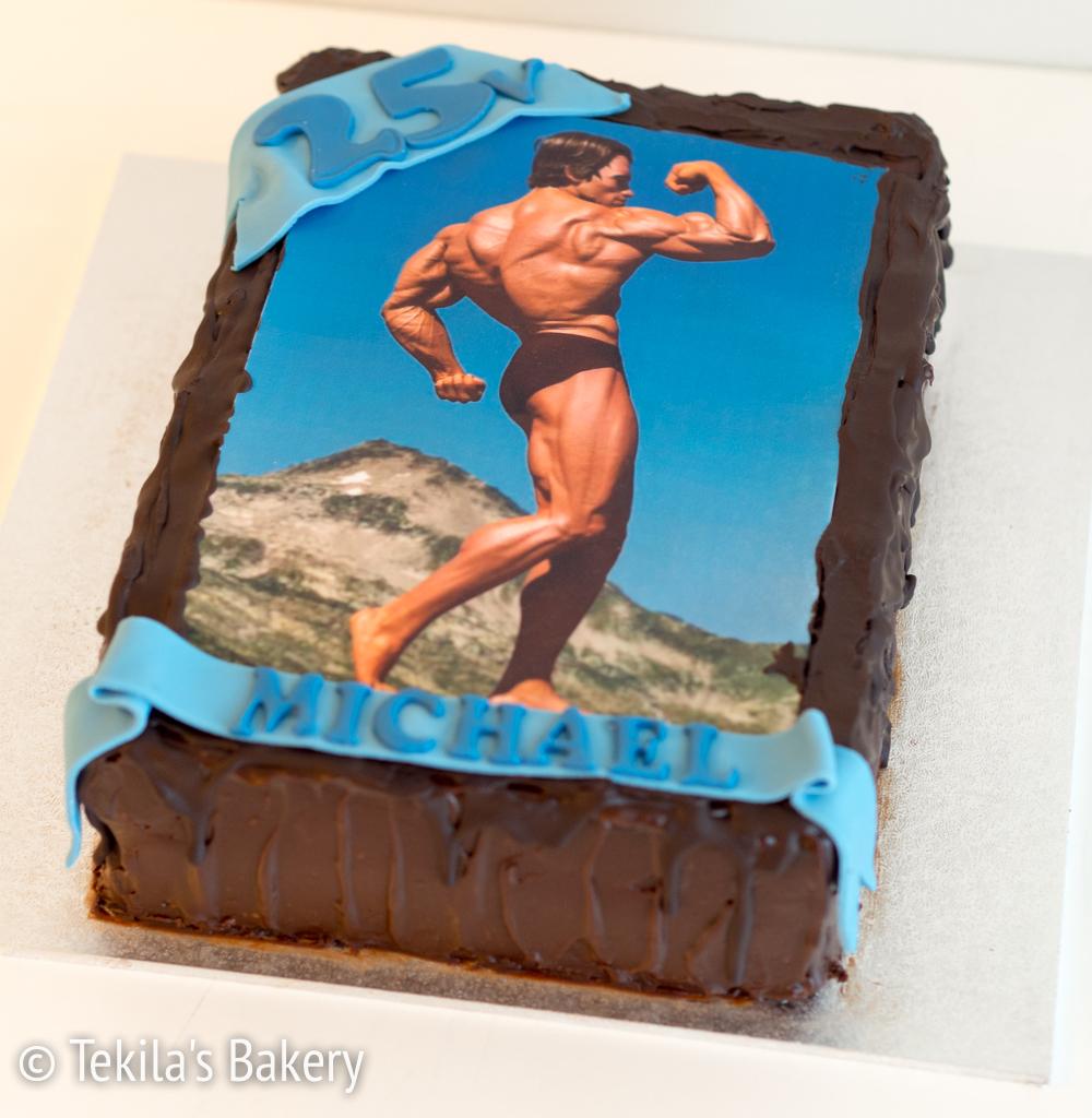 suklaakakku kakkukuvalla