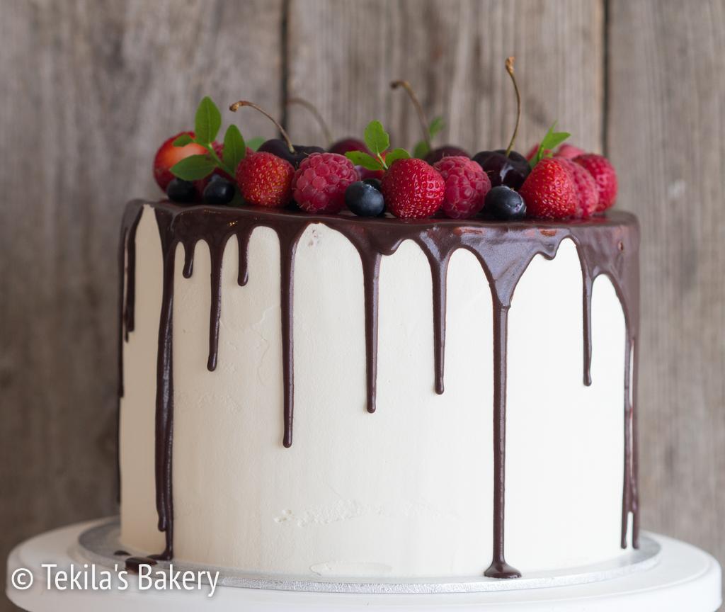 marjainen drip kakku